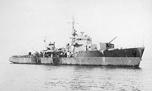 Japanese_escort_ship_no17_in_1944
